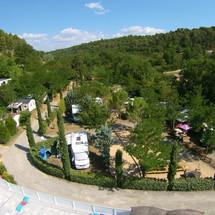 vue camping rose de Provence Riez