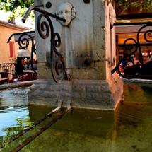 Fontaine à Aiguines