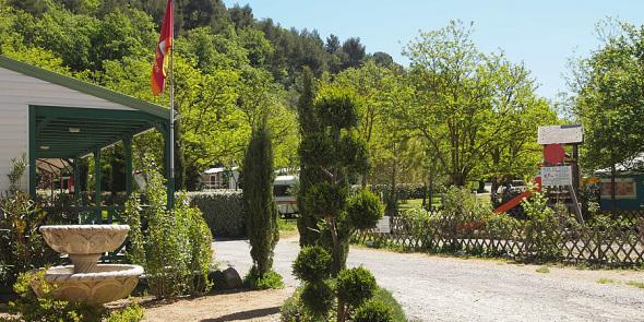 Accueil du Camping Rose de Provence***