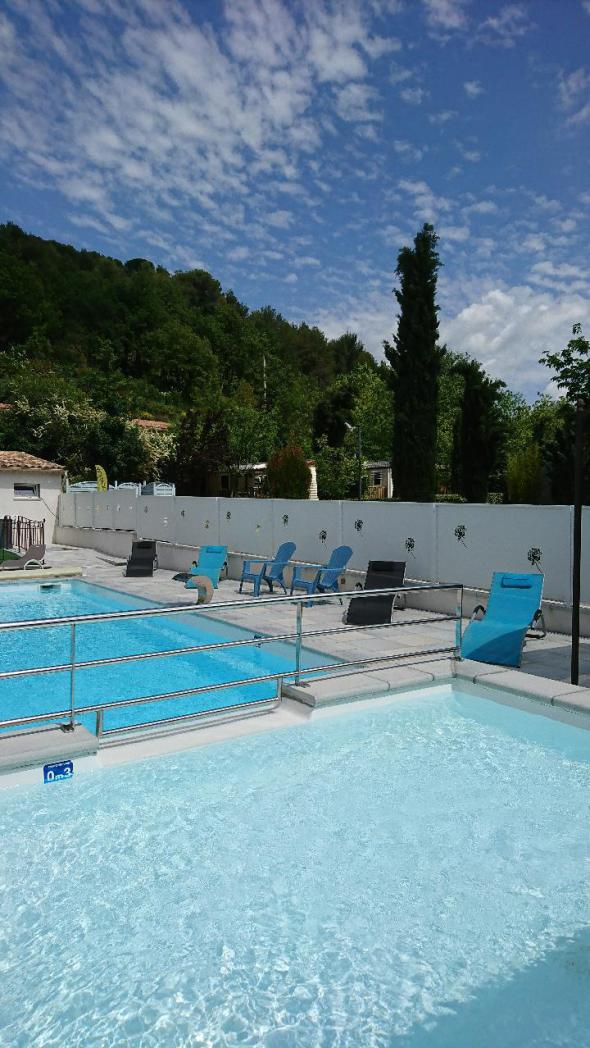 heated pool camping rose de provence
